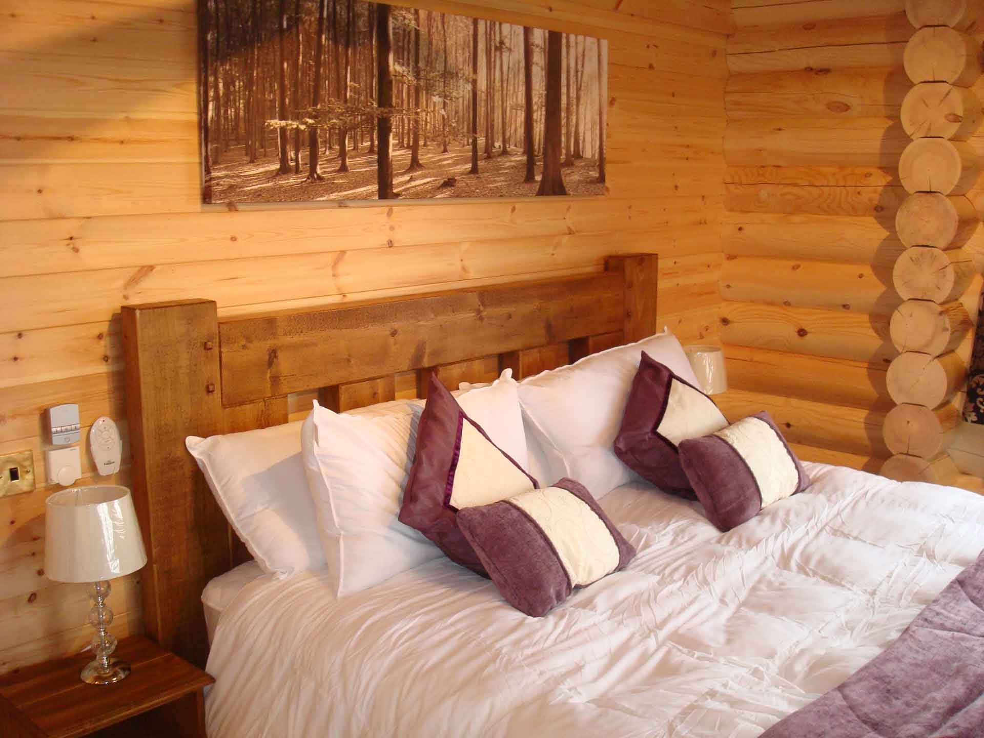 Cedar Lodge Eye Kettleby Lakes Bedroom