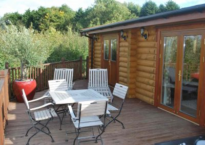 Cedar Lodge Eye Kettleby Lakes Decking