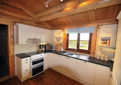 Oak-Lodge-Kitchen-Eye-Kettleby-Lakes