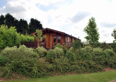 Oak-Lodge-Outside-Eye-Kettleby-Lakes