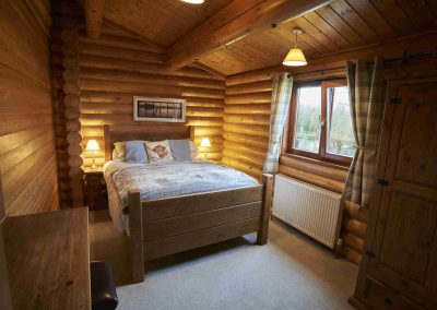 Sycamore-Lodge-Bedroom-Eye-Kettleby-Lakes