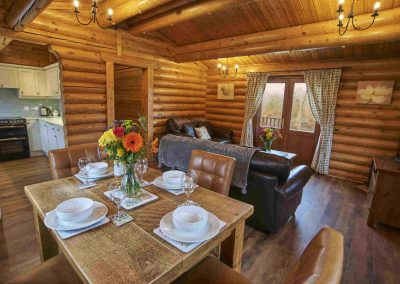 Sycamore-Lodge-Dining-Eye-Kettleby-Lakes.jpg