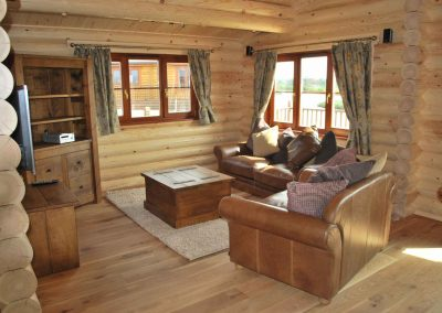 Walnut-Lodge-Sofa-Eye-Kettleby-Lakes