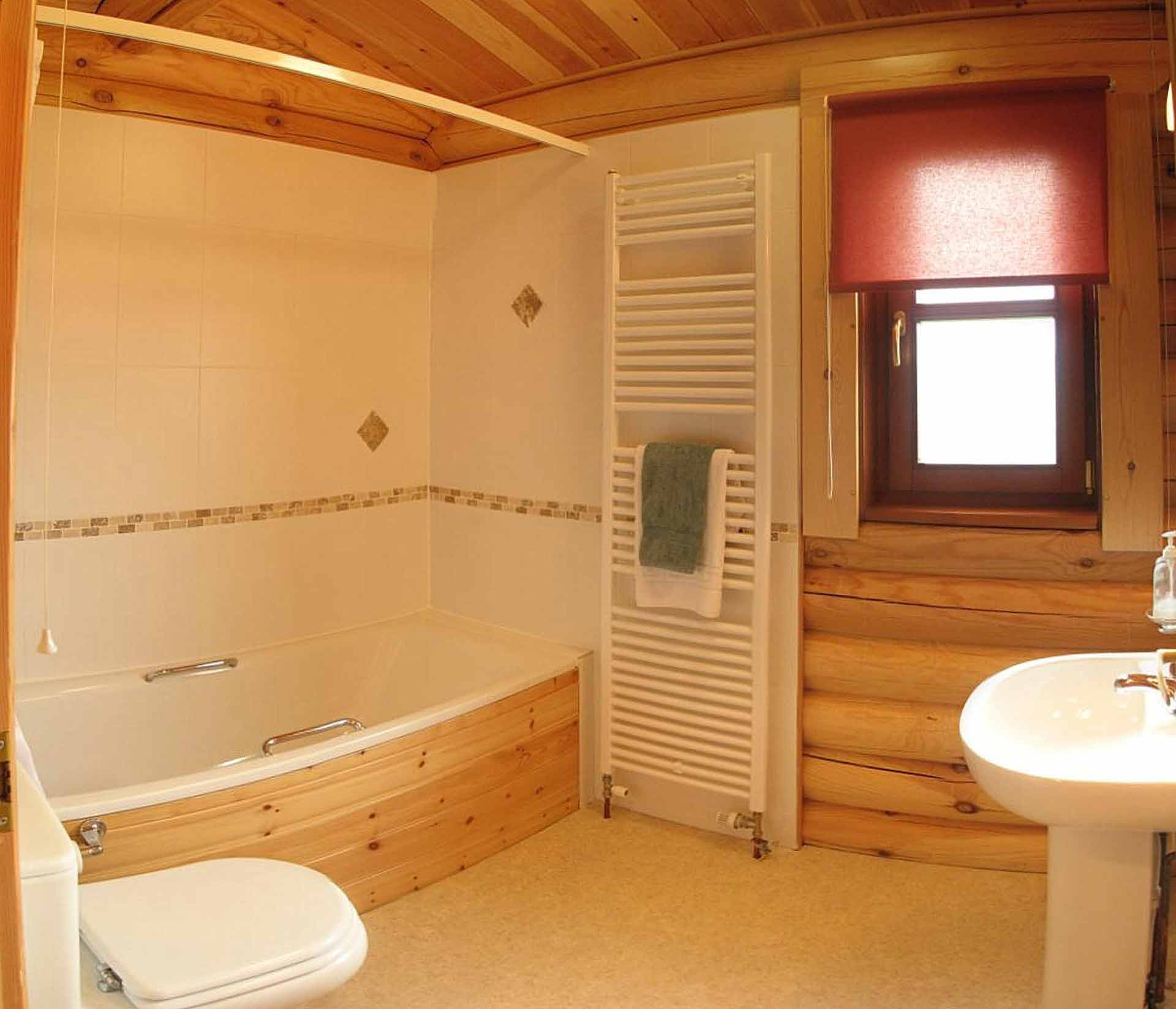 Willow-Lodge-Bathroom-Eye-Kettleby-Lakes