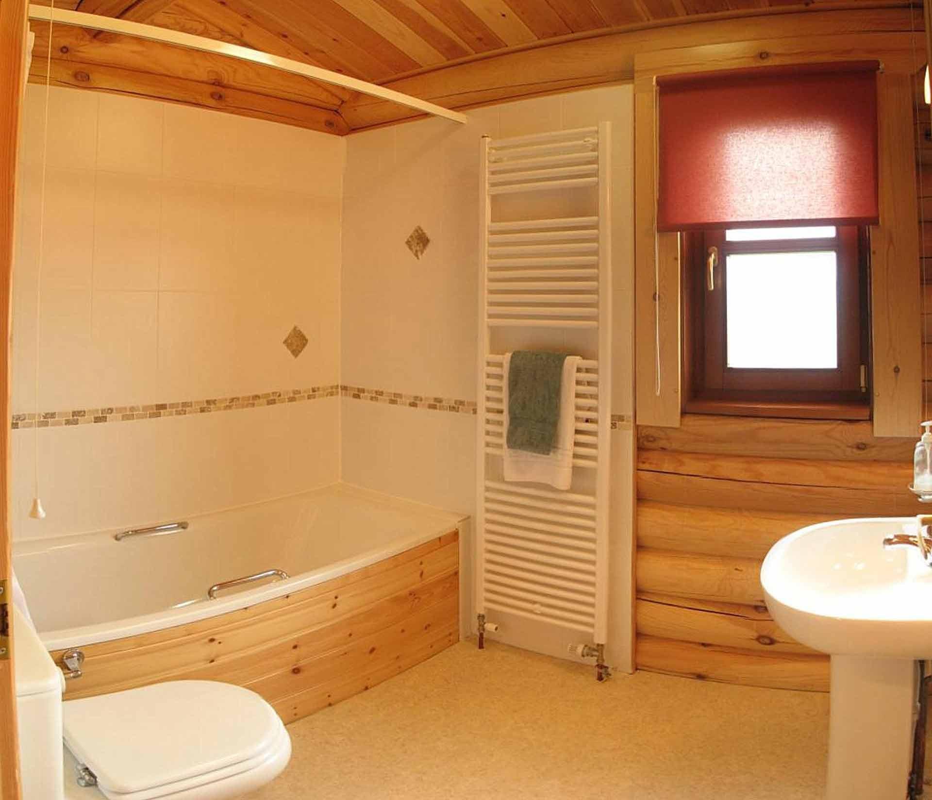 Willow-Lodge-Bathroom-Eye-Kettleby-Lakes