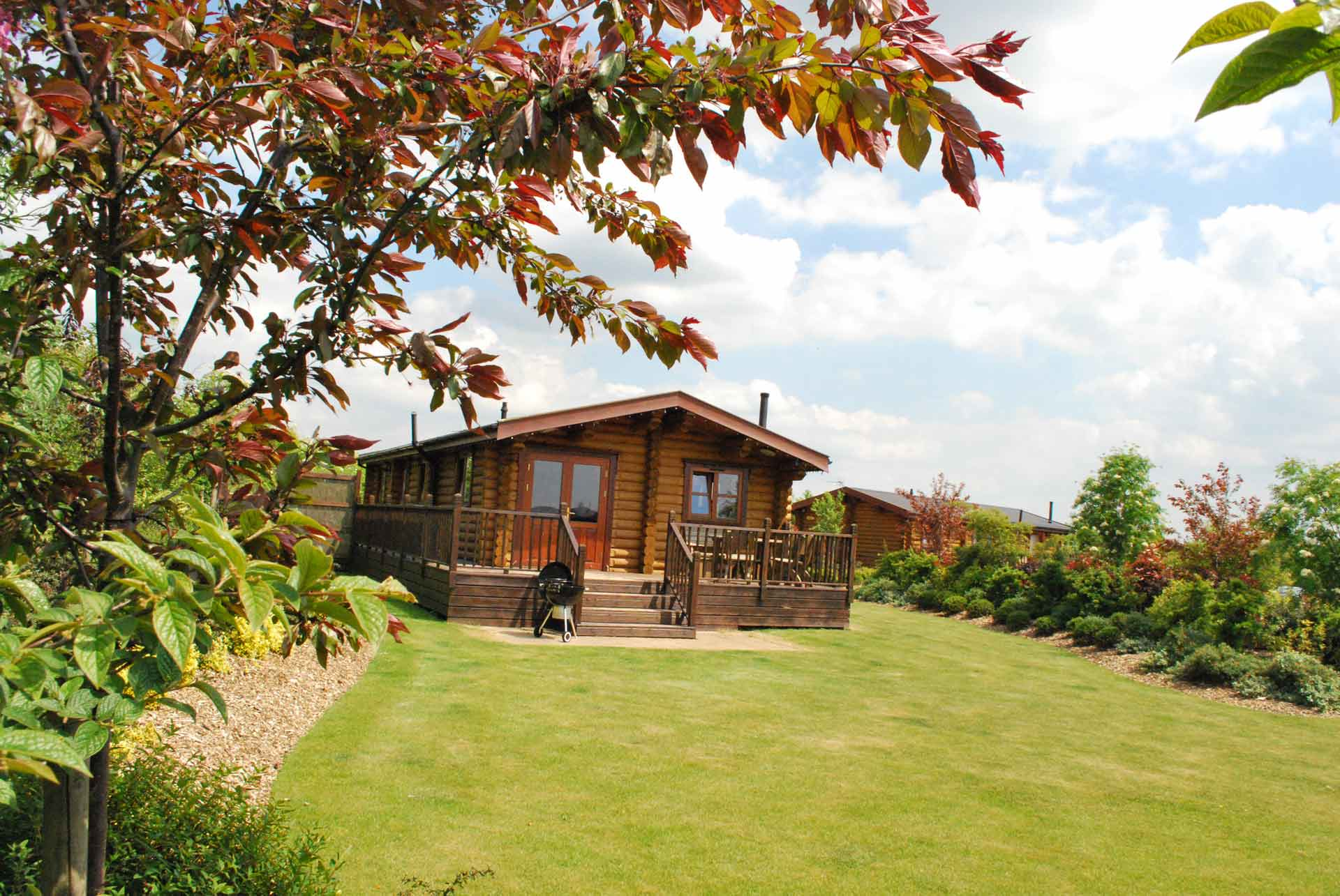 Willow-Lodge-Outside-Eye-Kettleby-Lakes