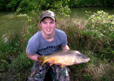 Ey-Kettleb-Lakes-mirror-carp-13lb-9oz