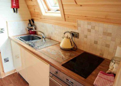 Eye-Kettleby-Lakes-Glamping-Kitchen-Area-1