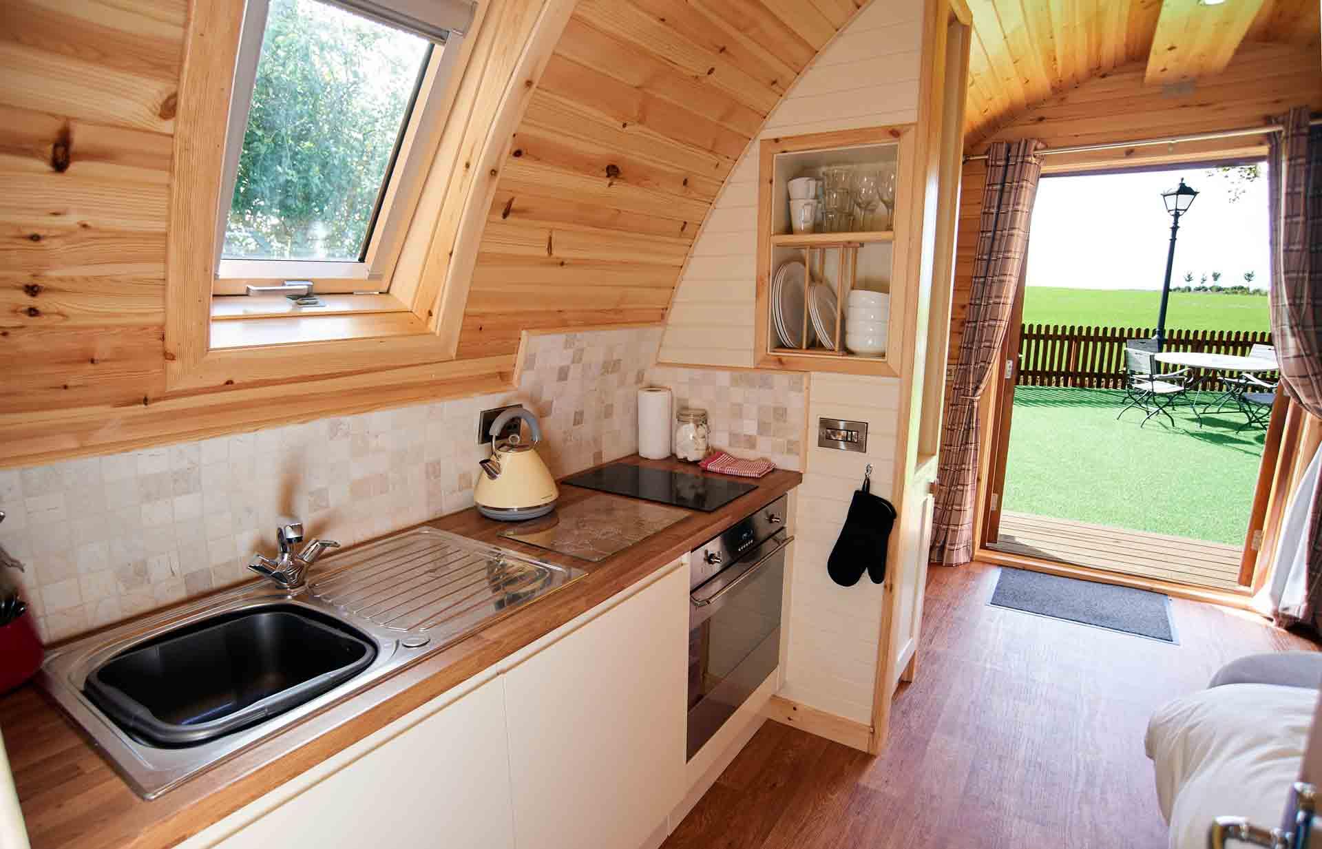 Eye-Kettleby-Lakes-Glamping-Kitchen-Area-3