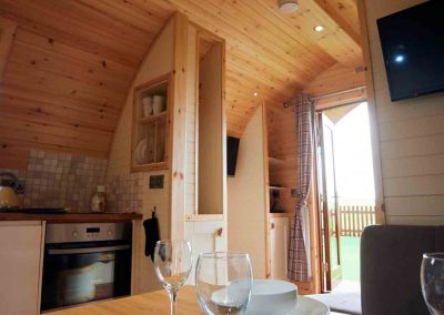 Eye-Kettleby-Lakes-Glamping-Pod-Kitchen